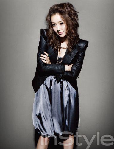 instyle-moonchaewon2