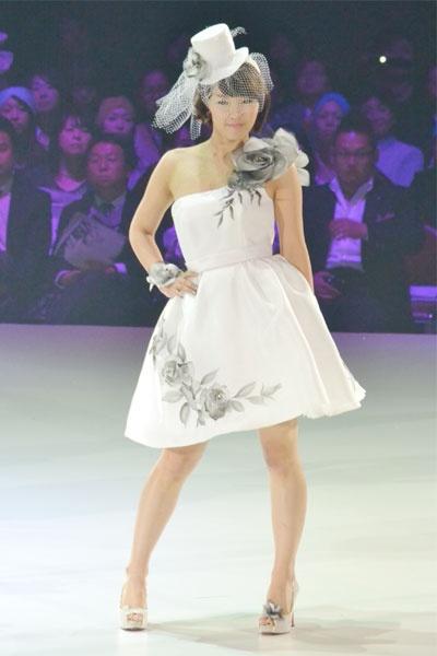 4minute en los diseños de ropa Yumi Katsura 20110223_yumi_katsura_4minute_3