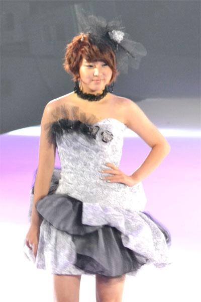 4minute en los diseños de ropa Yumi Katsura 20110223_yumi_katsura_4minute_4